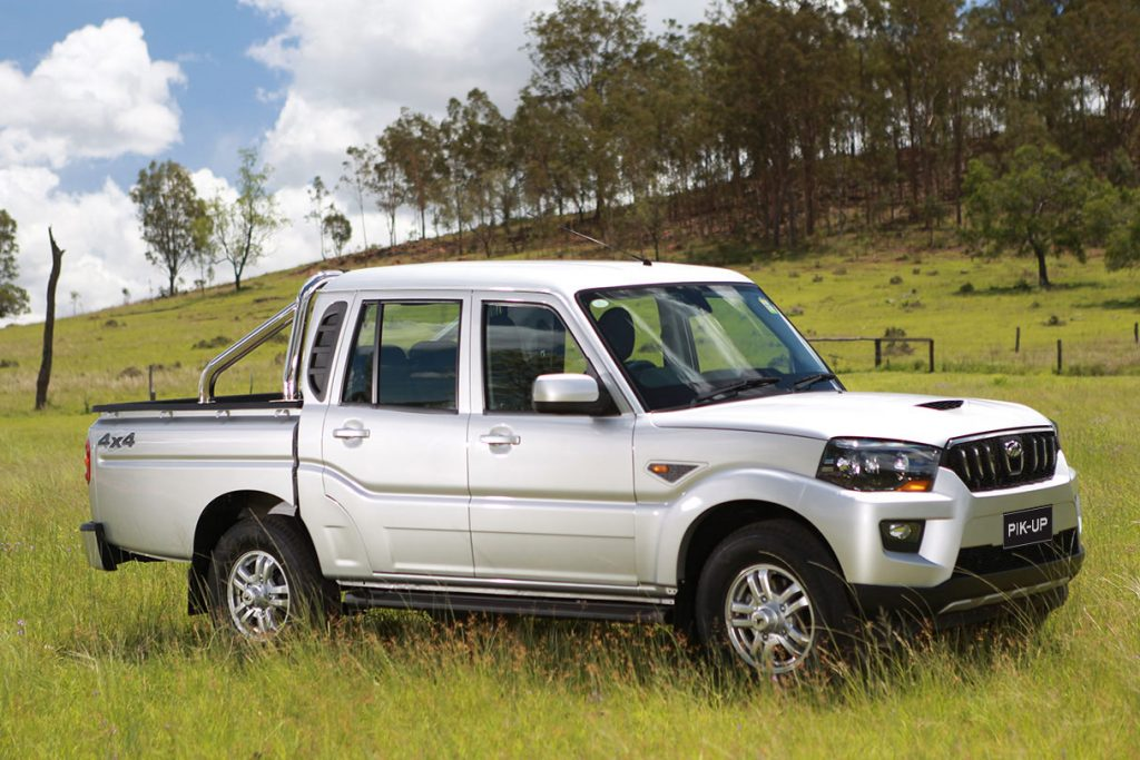 Pik-Up Dual Cab   Mahindra Auto